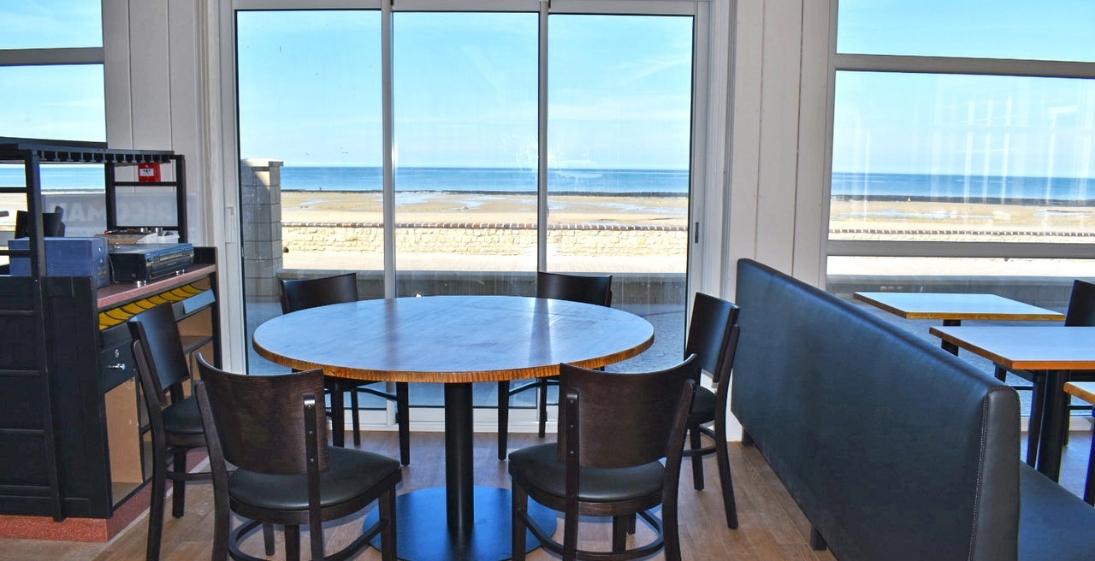 Les pieds dans l'eau : Hotel Clos Normand Normandie - restaurant vue mer