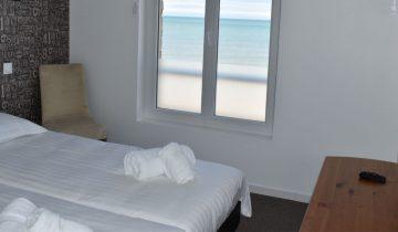 Hôtel Le Clos Normand - chambre vue mer - Les pieds dans l'eau