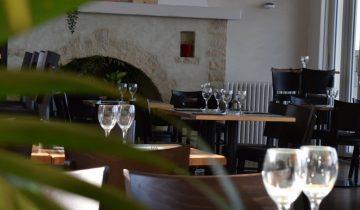 Hôtel Le Clos Normand - Salle restaurant - Les pieds dans l'eau
