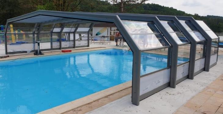 Les Pieds Dans L'eau : Lac Negenou - piscine couverte