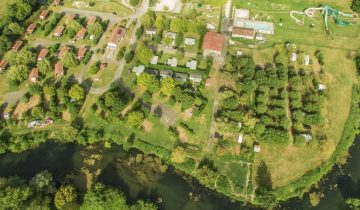 Camping Dordogne Verte-vue aérienne rapprochée-Les pieds dans l'eau