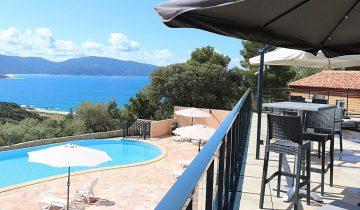 Les Pieds Dans L'eau : Camping Esplanade Corse Piscine 5
