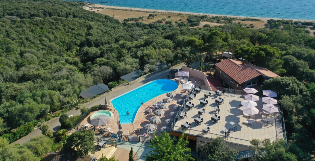 Les Pieds Dans L'eau : Camping Esplanade Corse Piscine Vue Mer