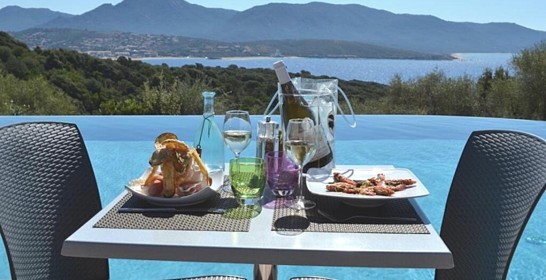 Les Pieds Dans L'eau : Camping Esplanade Corse Restaurant