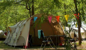 Camping Le Chassezac-Emplacements tentes-Les pieds dans l'eau