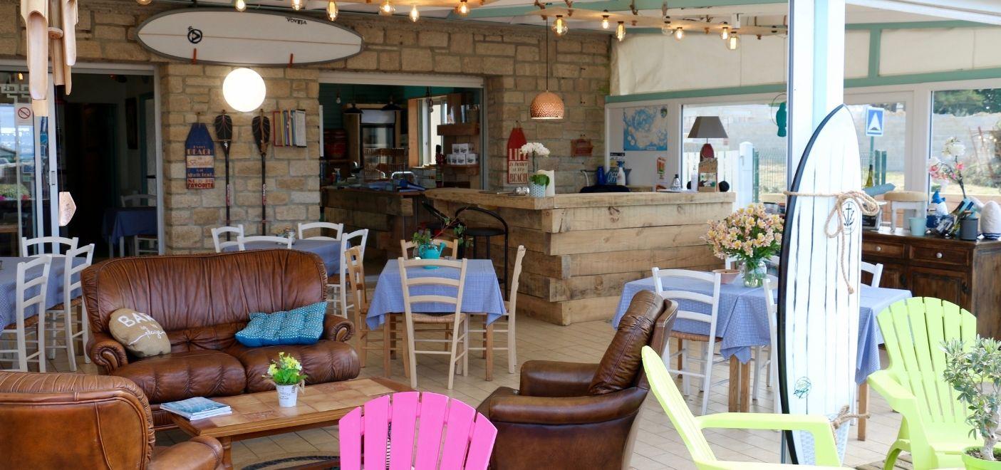 Camping Landrezac Plage - Bar-restaurant - Les pieds dans l'eau