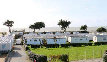 Camping Landrezac Plage - Mobil-home et mer - Les pieds dans l'eau