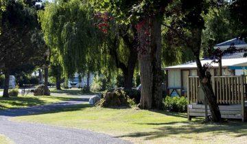 Camping Touristique de Gien-Locatif-Les pieds dans l'eau