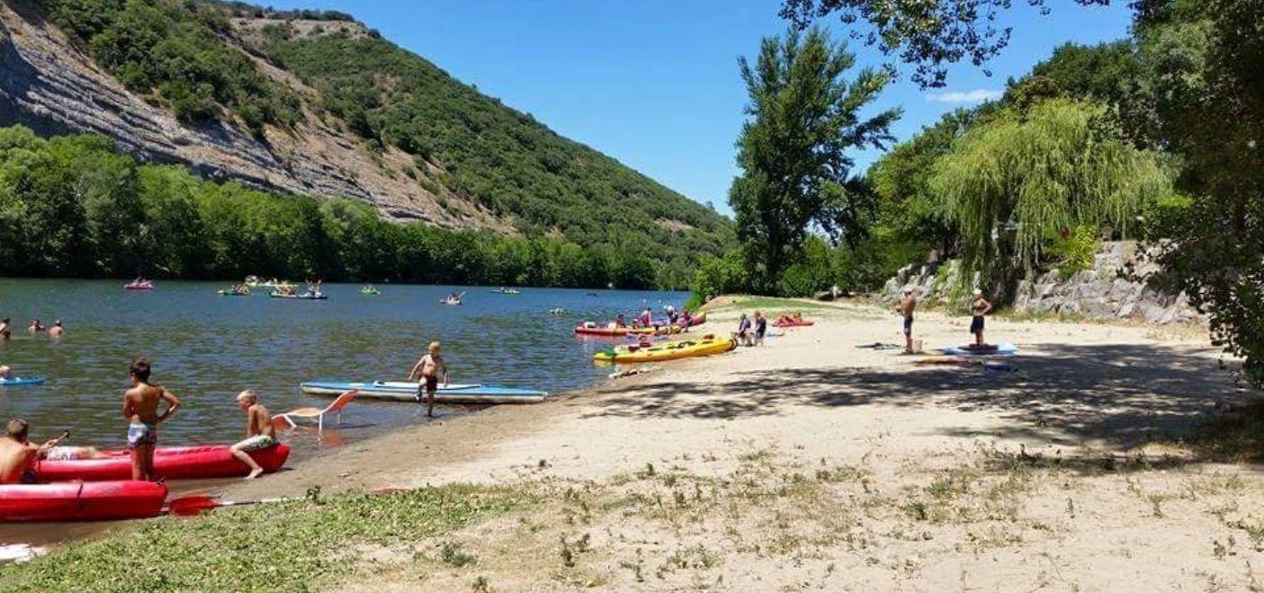 Camping Bonhomme - Activités nautiques - Les pieds dans l'eau