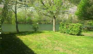 Camping Bonhomme - Bord de rivière - Les pieds dans l'eau