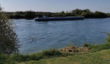 Camping Loisirs des Groux - Seine - Les pieds dans l'eau 2