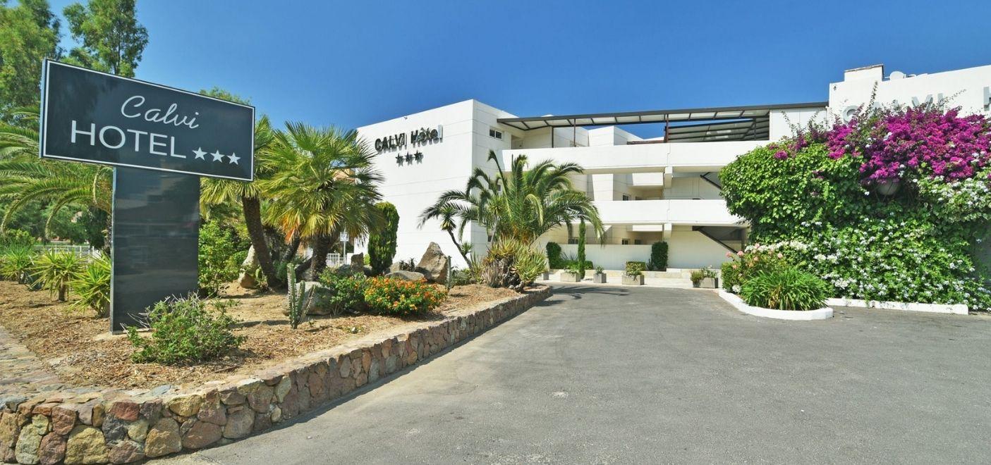 Calvi Hotel - Façade - Les pieds dans l'eau