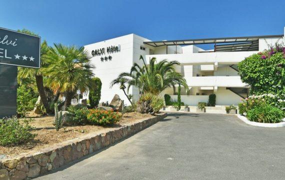 Calvi Hotel - Façade - Les pieds dans l'eau2