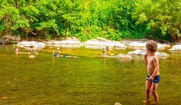 Camping Domaine de Saint-Julien - Baignade - Les pieds dans l'eau