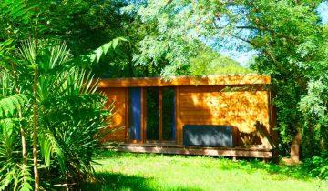 Les Pieds Dans L'eau : Camping Domaine De Saint Julien Locatif 2 Les Pieds Dans L'eau