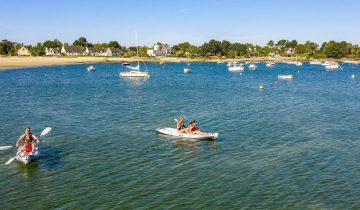 Camping Le Cabellou Plage - Activités nautiques - Les pieds dans l'eau