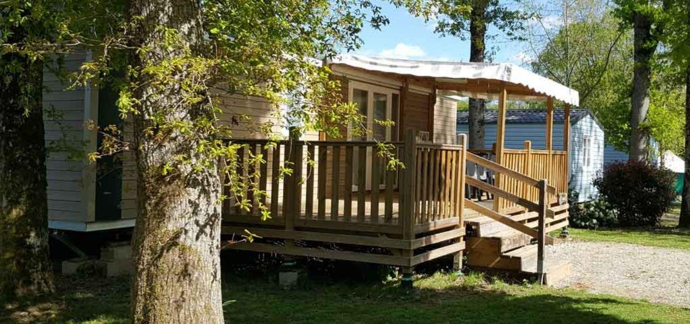 Les Pieds Dans L'eau : Camping Les Chalets Sur La Dordogne Locatif Les Pieds Dans L'eau