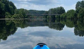 Camping Les Chalets sur la Dordogne - rivière- Les pieds dans l'eau