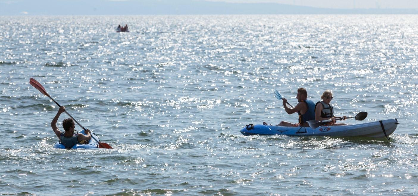 Camping Marina Plage - Activités nautiques - Les pieds dans l'eau