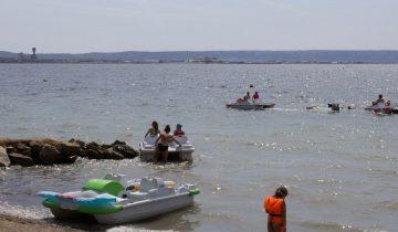 Camping Marina Plage - Pédalos 2 - Les pieds dans l'eau