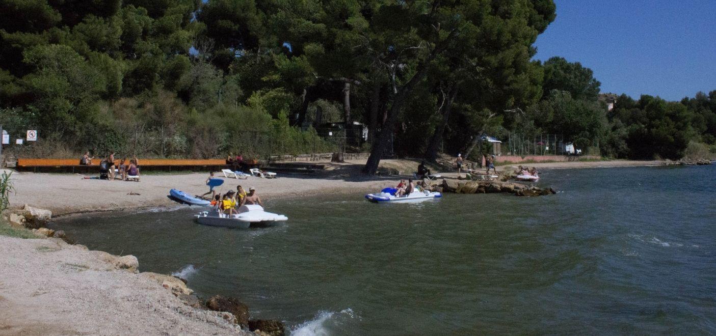 Camping Marina Plage - Pédalos - Les pieds dans l'eau