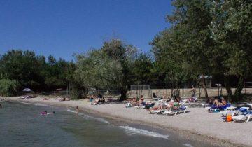 Camping Marina Plage - Plage - Les pieds dans l'eau